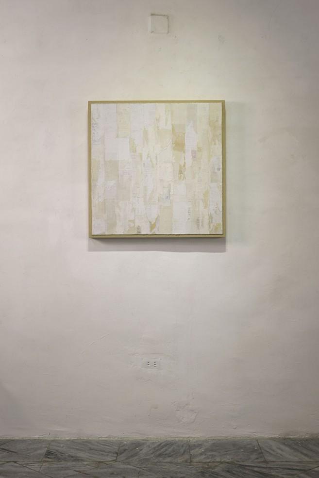Desapego, 2015 - 2016. Recibos de compra y aglutinante sobre lienzo. 80 x 80 x 5 cm