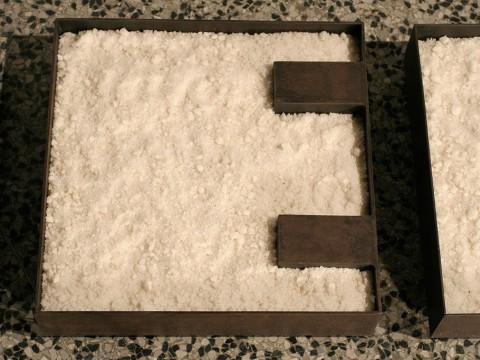 Ontología / Acero y Sal / Tres piezas de  42,5 x 42,5 x 10,5 cm cada una