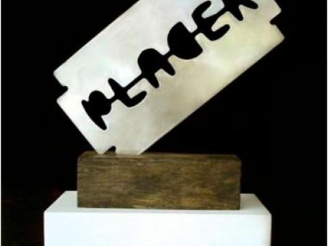 Riesgo / Acero inoxidable y madera / 110 x 100 x 22 cm