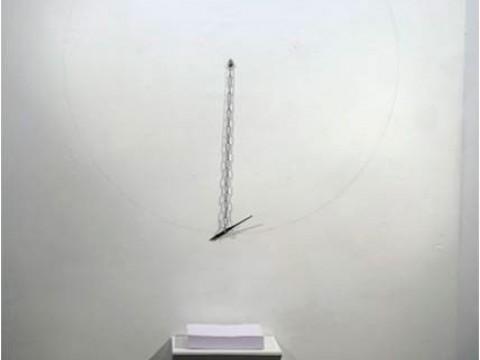 Verso blanco / Metal, madera y papel / Dimensiones variables